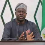 Seyi Makinde slams FG for providing spoilt rice, rejects 1, 800 bags of rice from FG