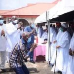 Oshiomhole, Ize-Iyamu Go Down on Their Kneels to Plead for Support Ahead of Edo Guber Poll